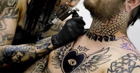 Tenho difilculdade de Pigmentar a Tatuagem, será que é a máquina?